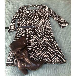 🖤 black cream chevron 3/4 sleeve skater dress 🖤